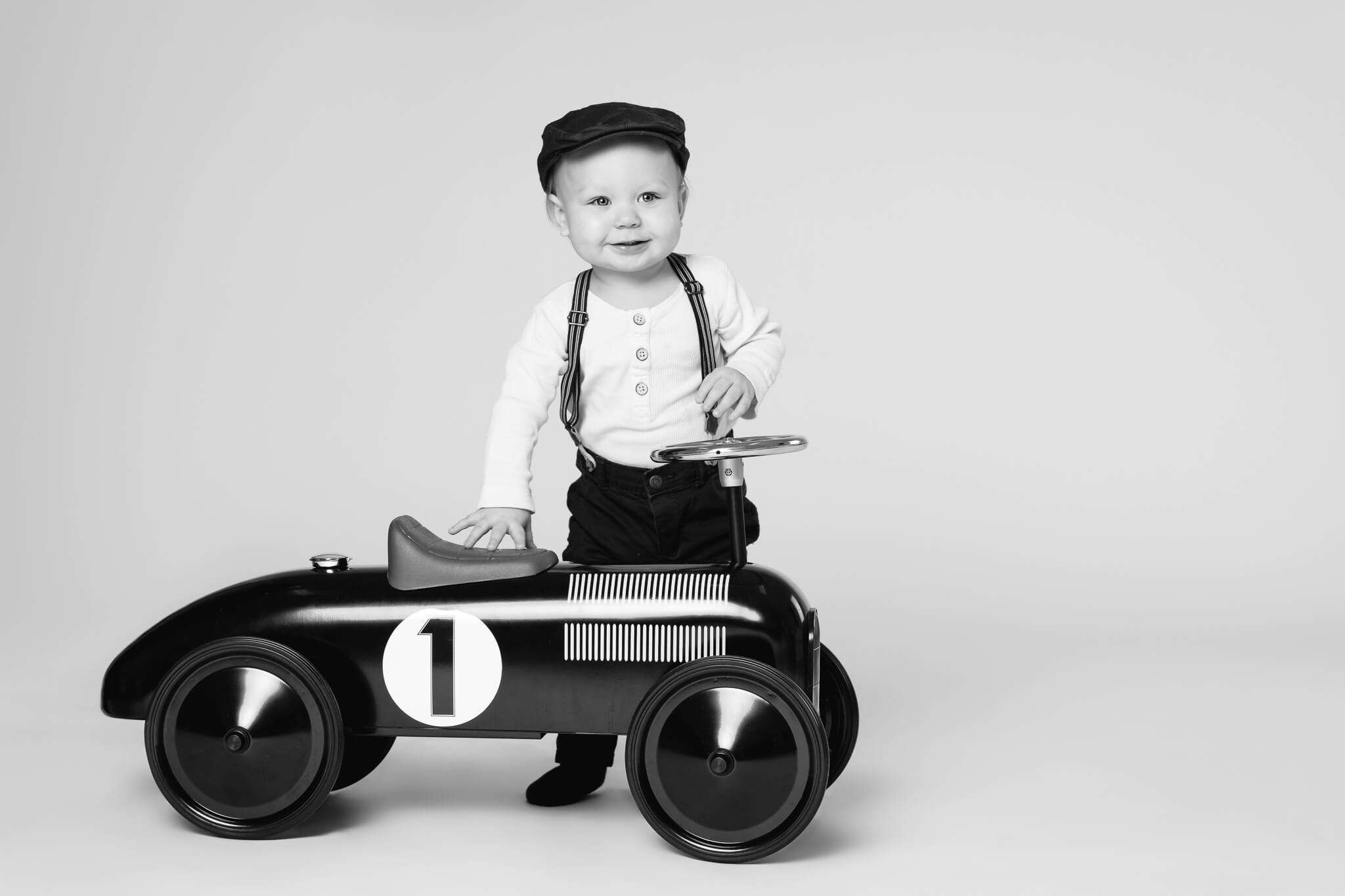 1v-lapsikuvaus-studiolla-jyväskylä-valokuvaaja-kokemuksia (35)
