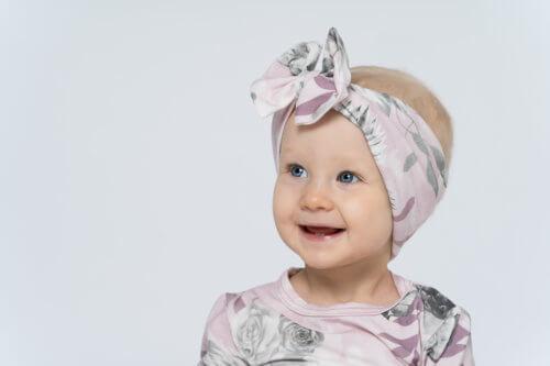 1v-lapsikuvaus-studiolla-jyväskylä-valokuvaaja-kokemuksia (36)