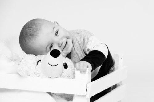 1v-lapsikuvaus-studiolla-jyväskylä-valokuvaaja-kokemuksia (9)